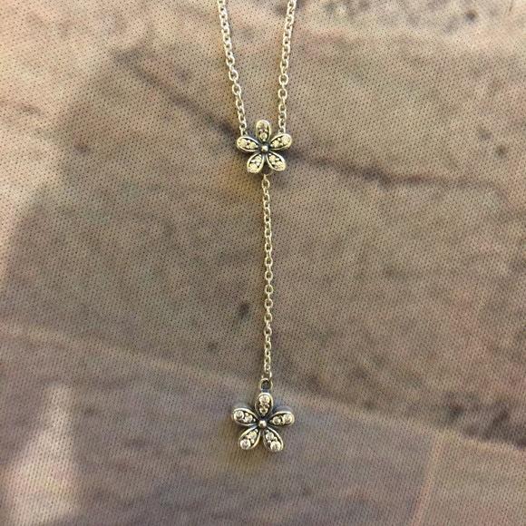 3dfe1e4c1 Pandora Lariat Dazzling Daisy Drop Silver Necklace.  M_5c36c91dd6dc52914202d869